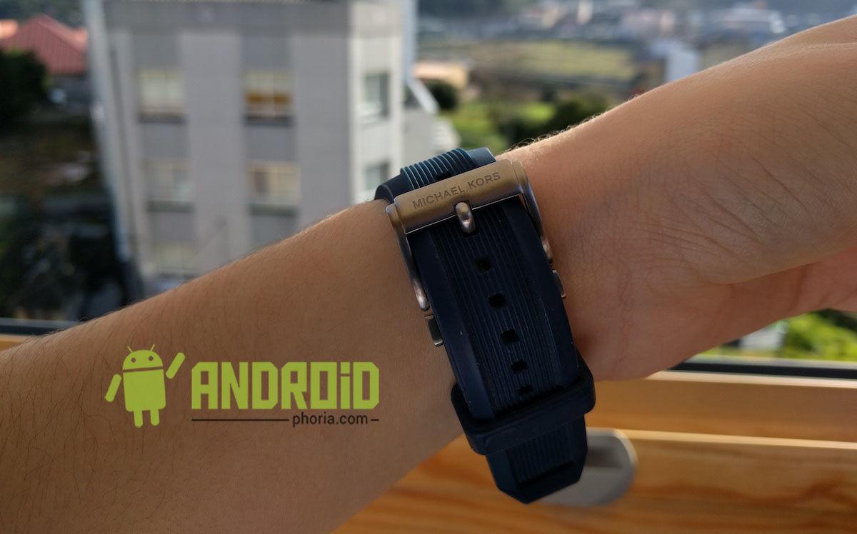 smartwatch-michael-kors-correa-silicona