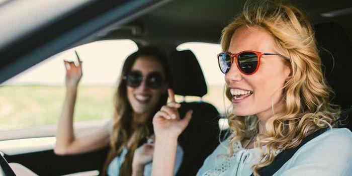 El primer dispositivo de Spotify es también un asistente virtual para coches