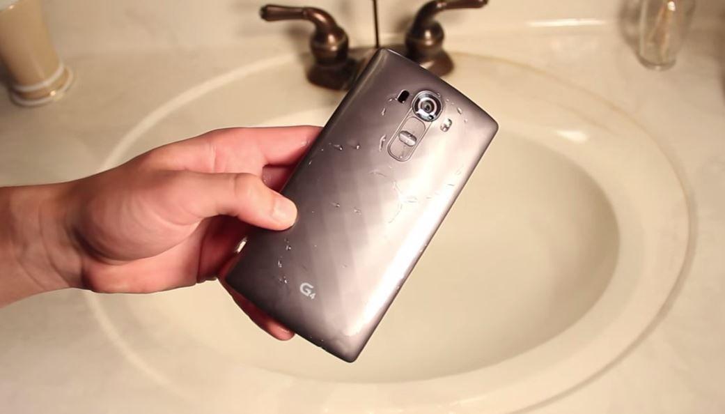 test resistencia al agua del LG G4