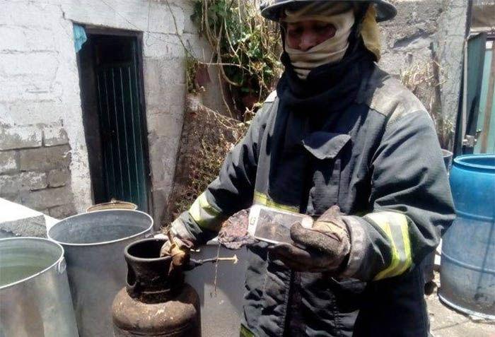 un movil incendia casa en mexico